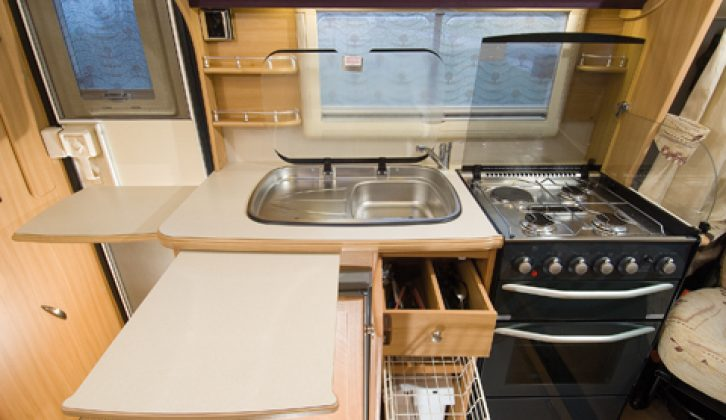 2006 Auto-Sleeper Midas EL - kitchen