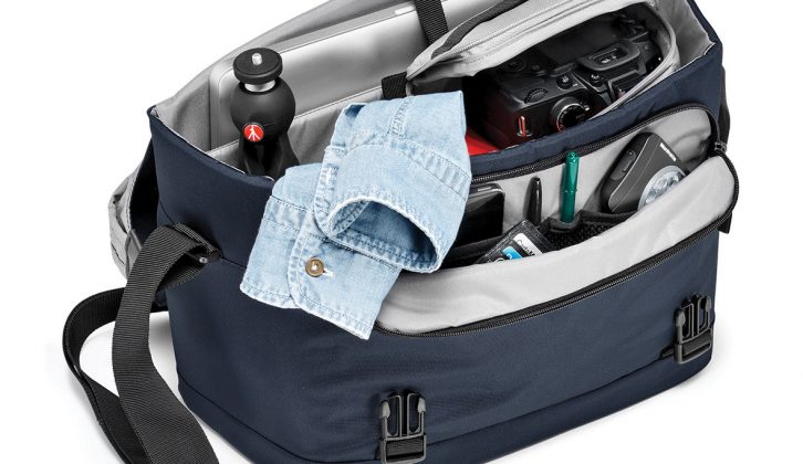 Give the family photographer a professional camera bag by Manfrotto