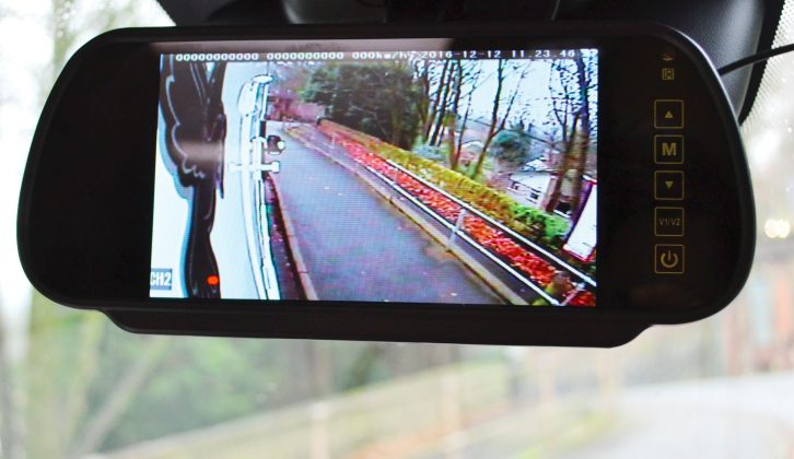 With this fitted, parking your motorhome right up to the kerb becomes easy – note the blown-up view from a single camera