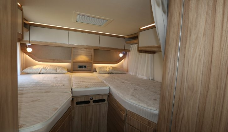 The 588 also has a pair of fixed single beds at the rear, seen here on a Hymer Exsis-i 588