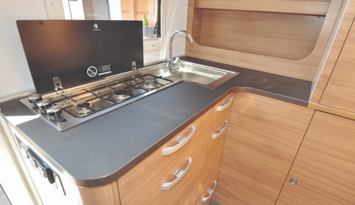 The clever hob and sink design provides generous permanent worktop in the kitchen